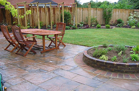 Garden landscaping sussex kpgd for Garden design ideas short wide